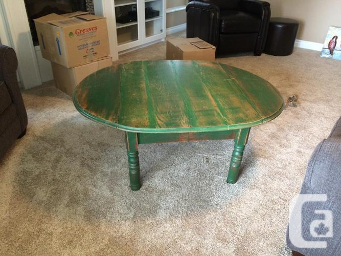 Coffee table - Antique, winged side expansions