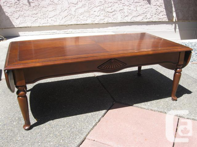 Coffee table with extensions for sale in victoria british for Coffee tables vancouver canada