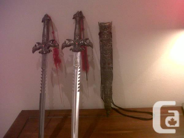 ~*~ Collectible Swords with amp & Stainless Knives;