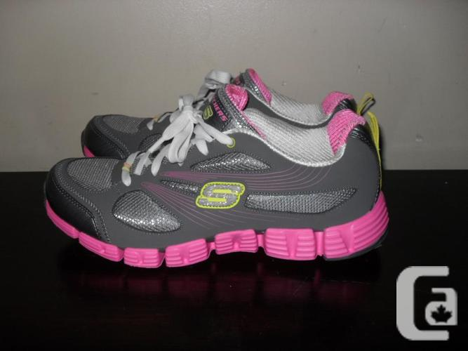 Completely New Womens Skechers Sneakers - Size 8