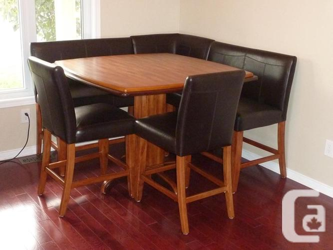 corner dining room table including chairs for sale in gatineau quebec