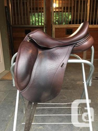 Custom Regal dressage saddle in Gibsons, British Columbia for sale
