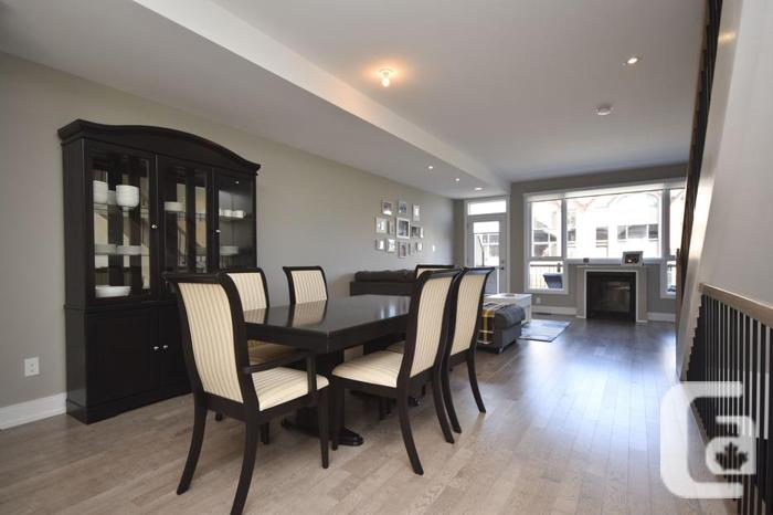 CUSTOMIZED TOWNHOME 46 Drouin Ave