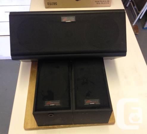 D box Atmosphere house theatre speakers - $20