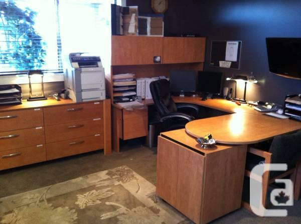 Desk matching 6 drawer credenza for sale in kelowna for L furniture more kelowna bc