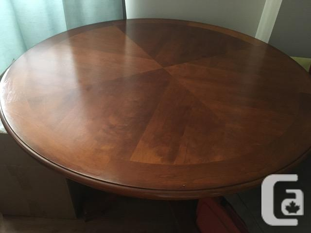 DINING TABLE  - CHERRY REDUCED!!$280.00 NEGOTIABLE!!