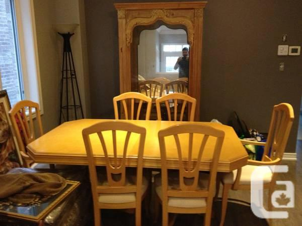 Dining table with six chairs - for sale in Brampton ...