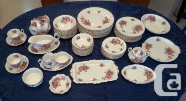 Dinner ware-Royal Abert-Centennial Rose-90 Pieces -