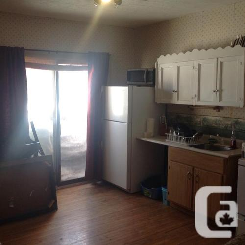 DOWNTOWN CHTOWN $650 HEAT LIGHTS AND PARKING