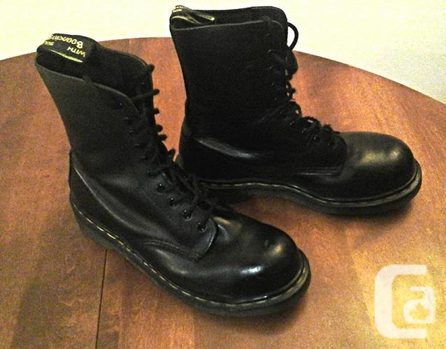 Dr. Martens Original 1460 8 Eyelet Unisex Boot, Size 8