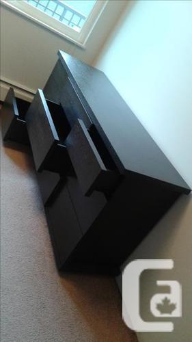 Dresser - like NEW!