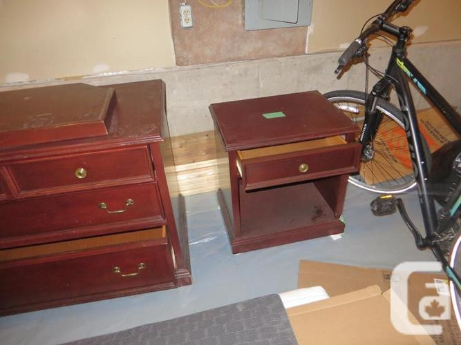 Dresser/Night Stand, Solid WOOD, Delivery avail $10.