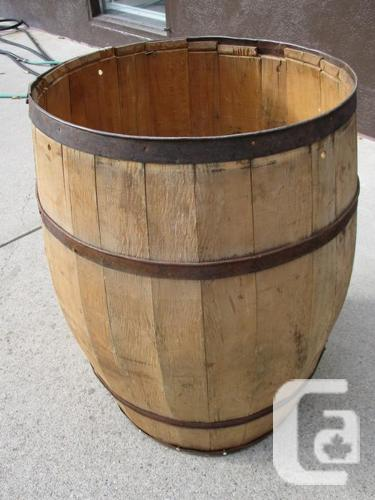 EARLY 1900 COUNTRY STORE APPLE BARREL FROM ESTATE