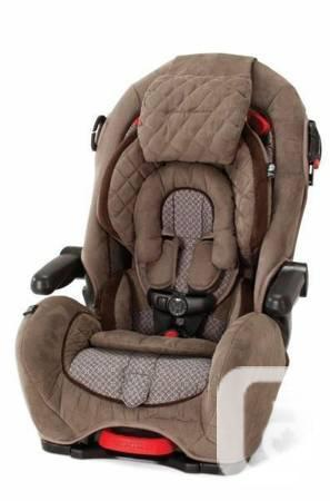 Eddie Bauer Deluxe 3 in 1 Child Car Seat COMPLETELY NEW