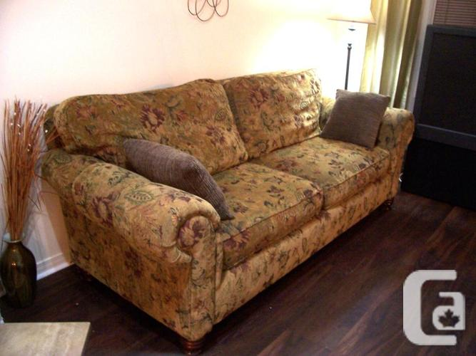 Elegant super comfy large sofa for sale delivery available for Comfy couches for sale