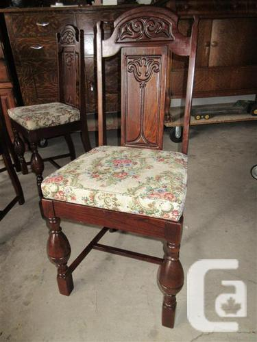 ENGLISH BREAKFAST TABLE & FOUR CHAIRS FROM ESTATE