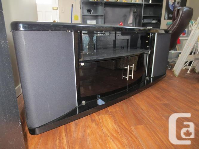 Entertainment technology rack system
