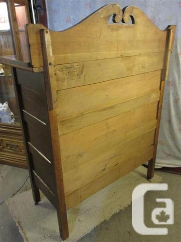 ESTATE 1910 FOUR DRAWER OAK CHEST OF DRAWERS