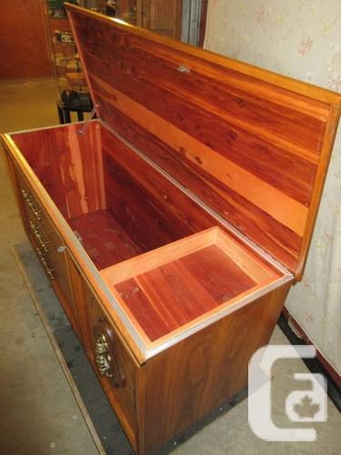 ESTATE 1960S HOPE CHEST