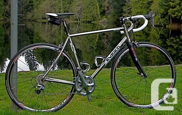 Everti Falcon Titanium Road Bike   $3200