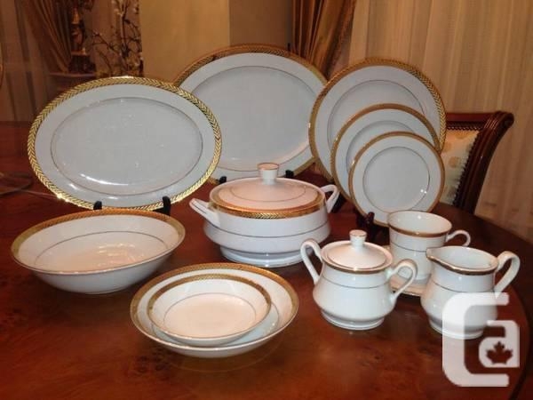 FINE CHINA DINNERWARE SET For Sale In Toronto Ontario Classifieds Canadian