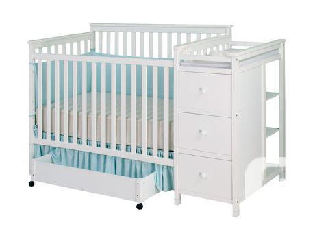 Florence Convertible Crib N Changer Combo With Accessories