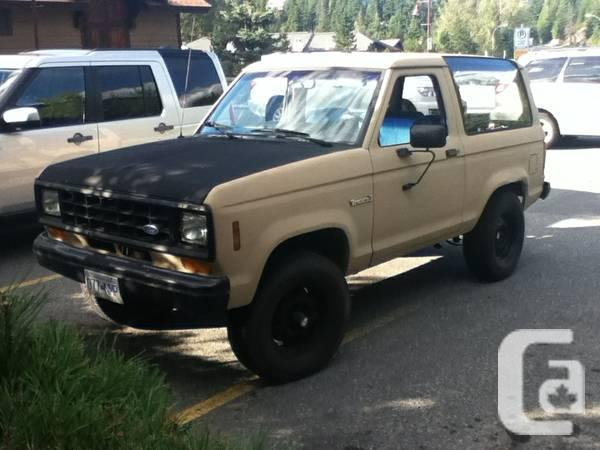 ford BRONCO 2 4X4 - $1500