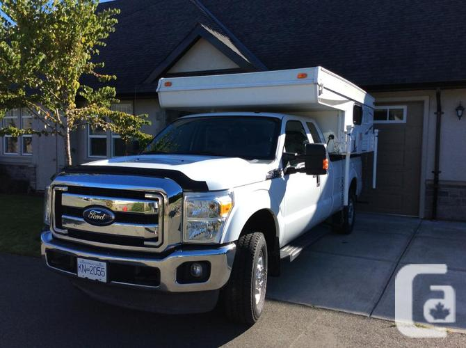 FORD F250 SUPERDUTY XLT PICKUP WITH CAMPER