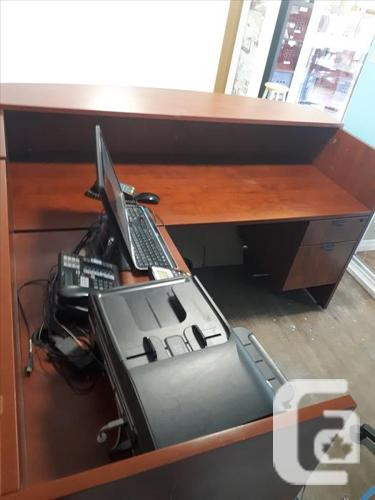 Front / Receptionist L-Shaped Desk - $400 - Can Deliver