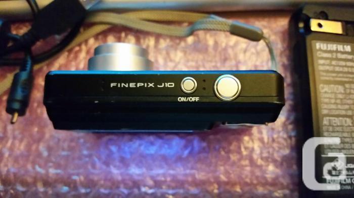 Fujifilm 8.2MP FinePix camera. Sdcard etc...