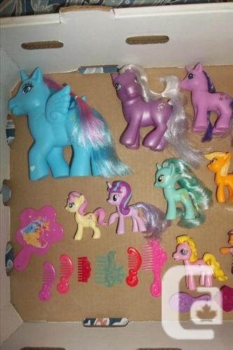 Full bag of little ponies with a FP friendship horse