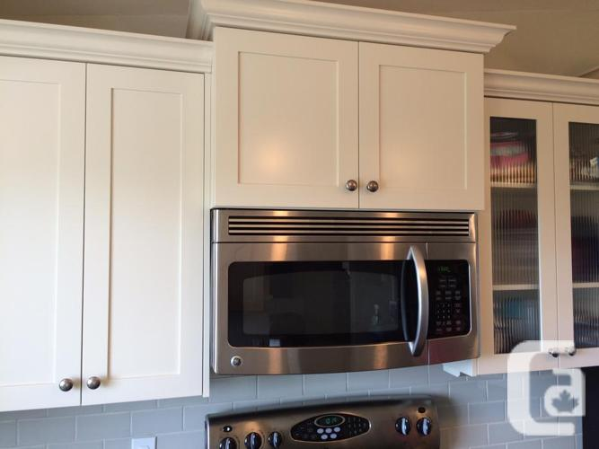 Galley Style Kitchen For Sale In Victoria British Columbia Classifieds Can