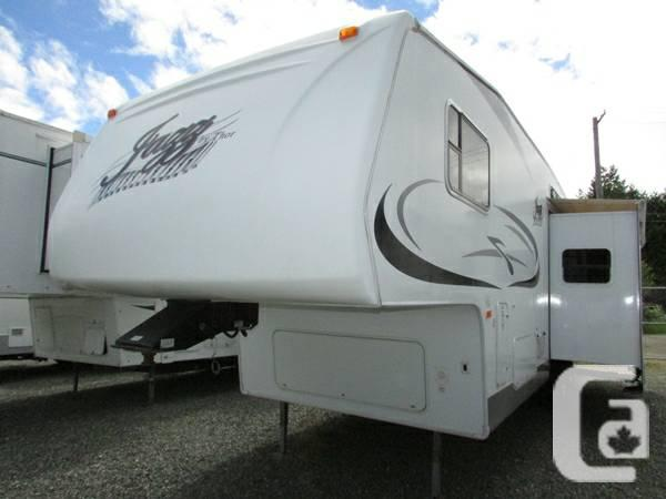 Garbage Home ALERT!!! 2007 Spruce 2980BH - $23990