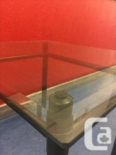 FREE: glass-topped coffee/side table