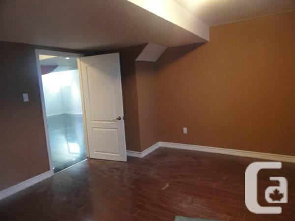 gorgeous 2 bedroom basement for rent in mcveancastlemore