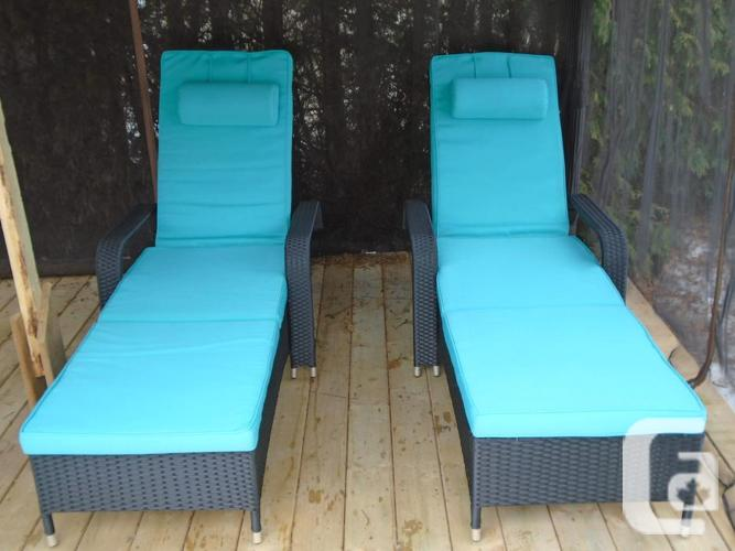 GORGEOUS LARGE 7FT OUTDOOR WICKER CHAISE LOUNGERS