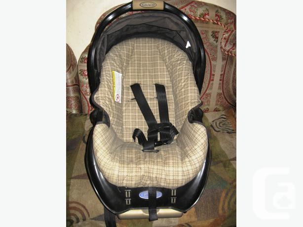 Graco SnugRide Classic Connect 30 Infant Car Seat And
