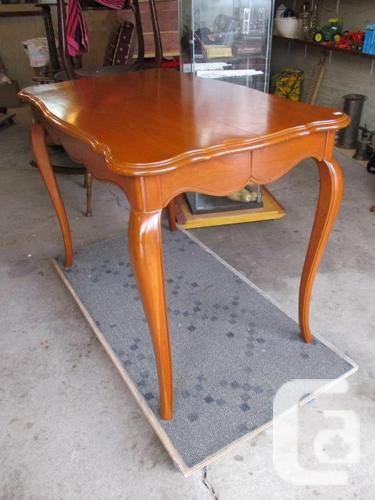 GRAMAS ESTATE WALNUT DINING ROOM TABLE