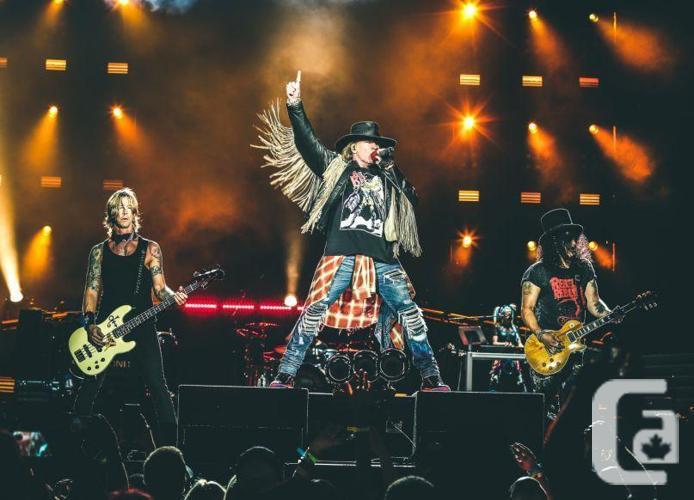 Guns'N'Roses - 2X HOT CENTRE FRONT FLOOR Tx 16
