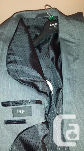 Haggar - Mens Grey with Blue stripe suit 36/32 - 46