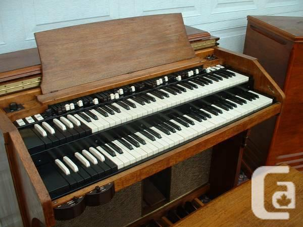 Hammond organ A105 and Leslie 21H - 50