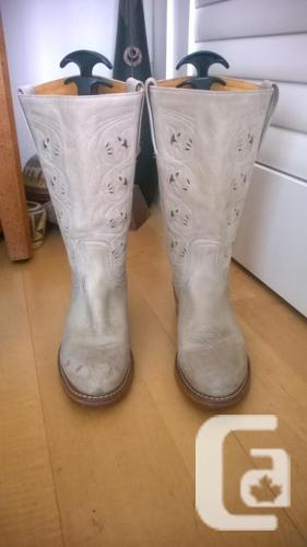 Hand Made mid-calf Frye Boots