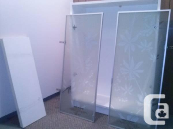 ikea billy small shelving unit with glass doors for sale. Black Bedroom Furniture Sets. Home Design Ideas