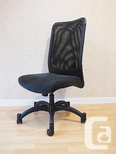 Ikea KARSTEN Swivel Office Chair - Black