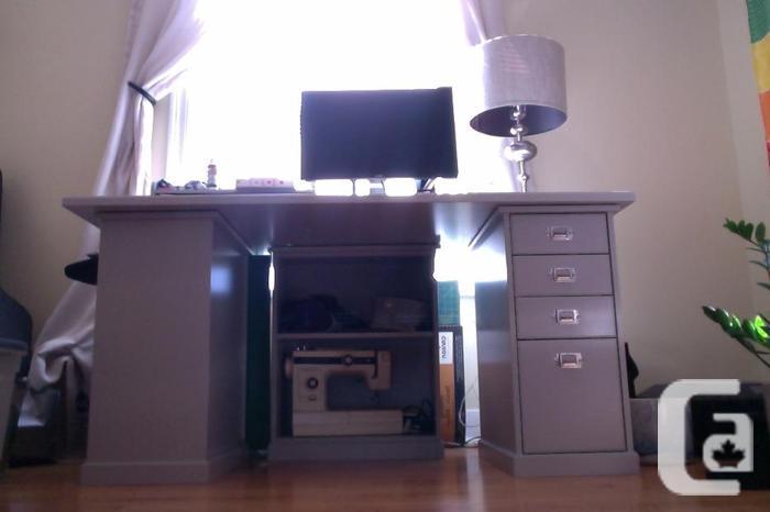 Ikea klimpen computer desk for sale in ottawa ontario