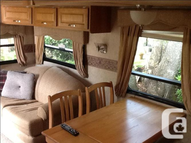 Immaculate live aboard fifth wheel