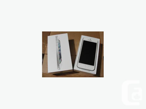 Iphone 5, white, locked to Rogers/Chatr, 16gb, amazing