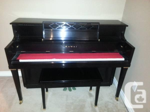 KAWAI Piano - MINT CONDITION BEAUTIFUL PIECE - $3000