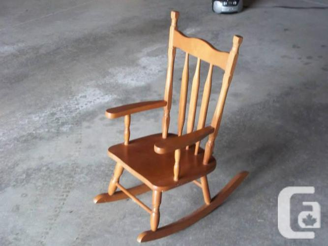 Kid rocking chair