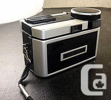 KODAK - Instamatic 400 camera with CASE